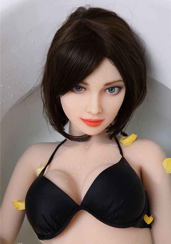 Luri〈ルリ〉155cm Aカップ  現実的な熟女型セックスドール